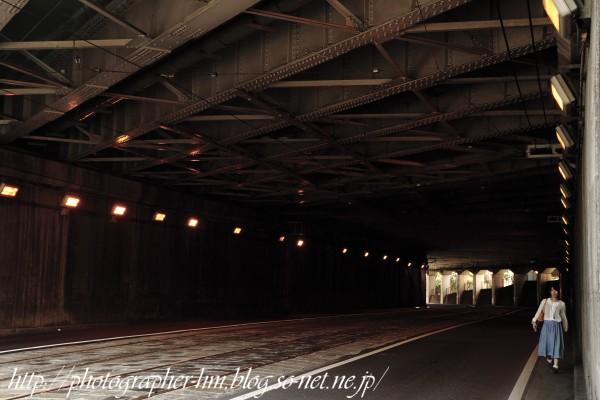 2012_トンネルの少女_01.jpg