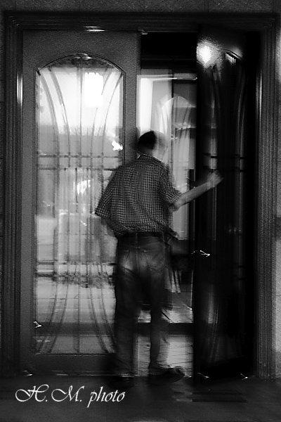 2009_The door to the world_01.jpg