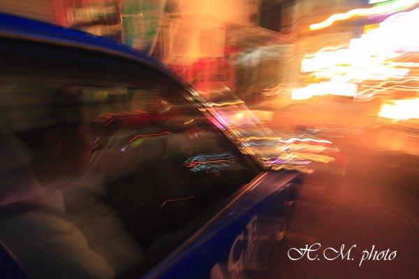 2010_ネオン街のタクシー_01.jpg
